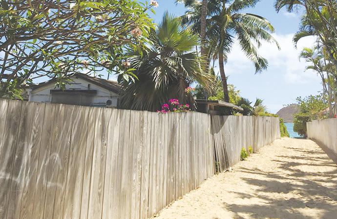 晴れた日のLanikai Beachは、こんな感じです。