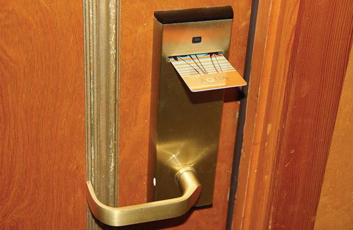 カードキーでドアが開かない! 原因は意外なことだった